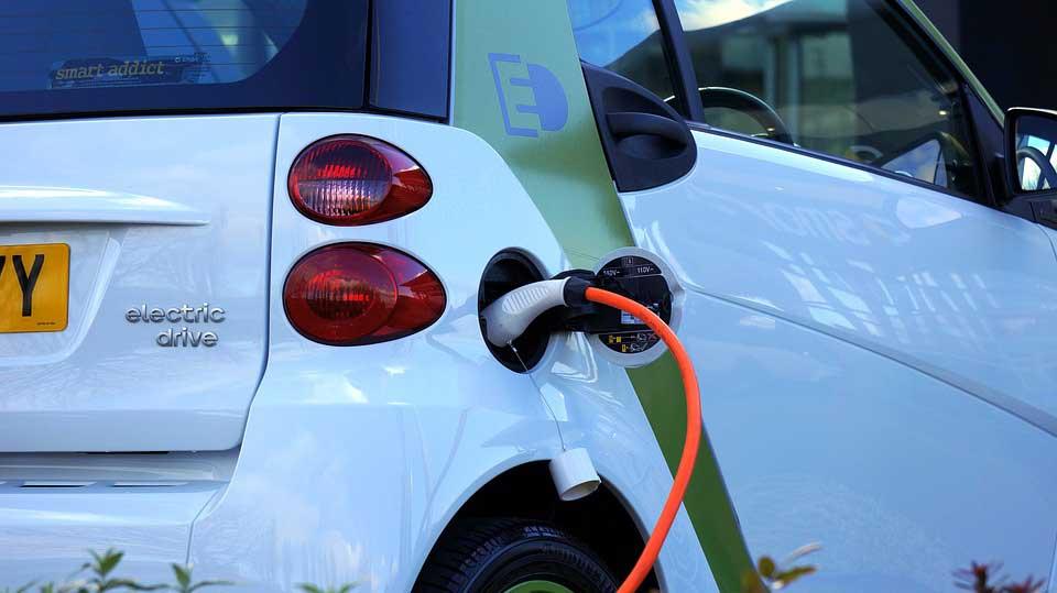 Auto und Strom